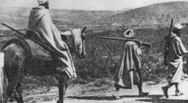 شكلت سنة 1930م منعطفا في تاريخ المقاومة المغربية, حيت تبنت الحركة الوطنية النضال المسلح لتحقيق مجموعة من المطالب أقتصرت على الإصلاح لتتطور إلى المطالبة بالإستقلال. ليلج المغرب بعدها مرحلة إستكمال الوحدى الترابية. فما هي ظروف نشأة الحركة الوطنية؟ما هي مظاهر تحولاتها ما بين 1930-1956؟ و ما هي جهود المغرب لإستكمال وحدته؟