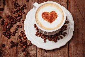 الإكثار من القهوة يزيد من التوتر وتشتت التركيز خاصة في فترة الامتحانات